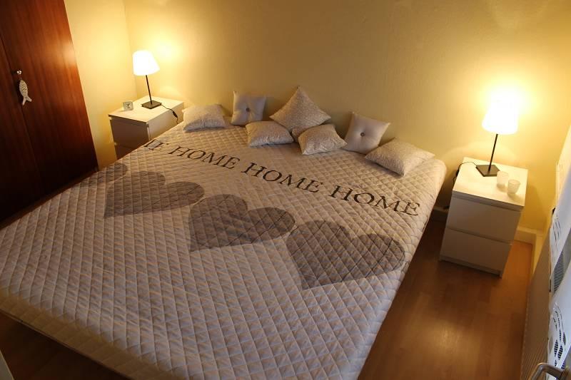Ausstattung Ferienhaus NordseeRobbe - Schlafzimmer mit wasserbett